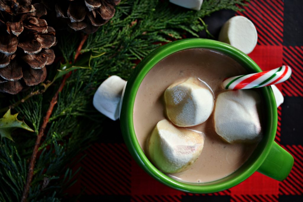 decadently-rich-crock-pot-hot-chocolate
